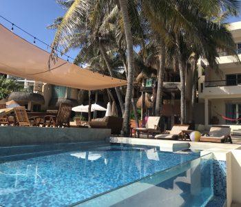 Medialuna small pool